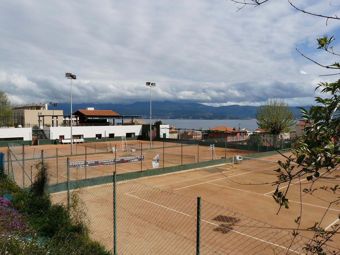 Ajaccio 3 grotte napoleon sur votre smartphone for Club de tennis interieur saguenay
